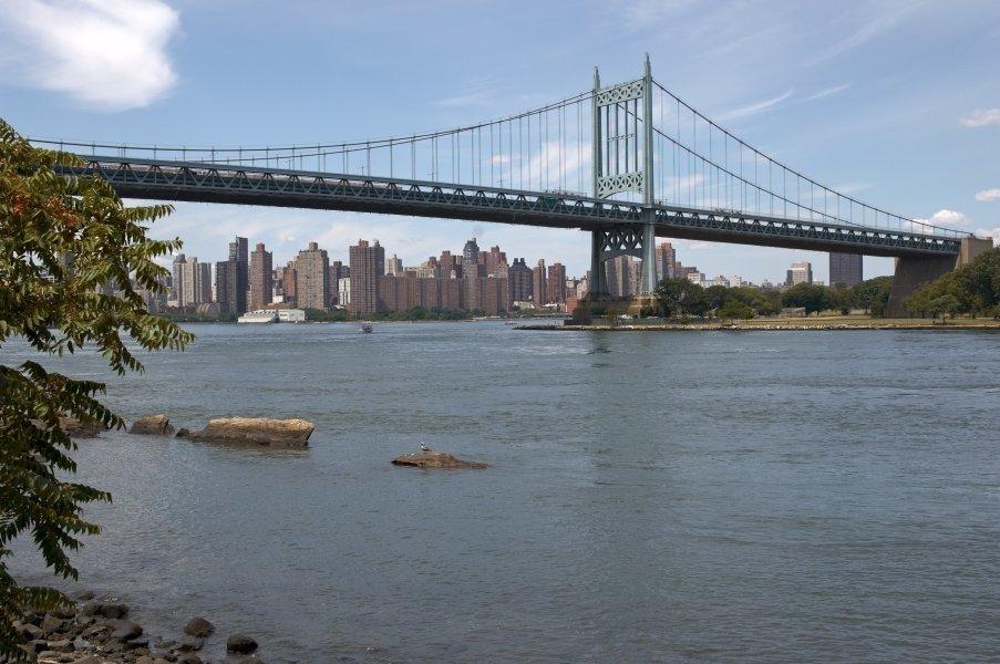 Triboro Bridge sobre el East River